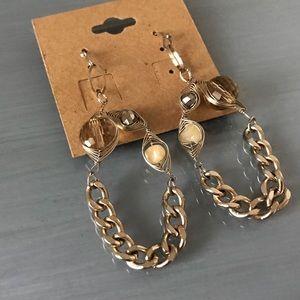 Jewelry - Lightweight chain chic style earrings